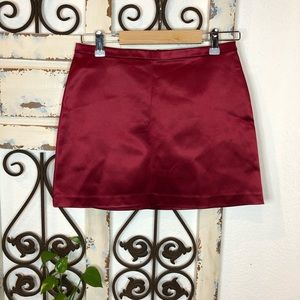 Cache red satin look mini skirt